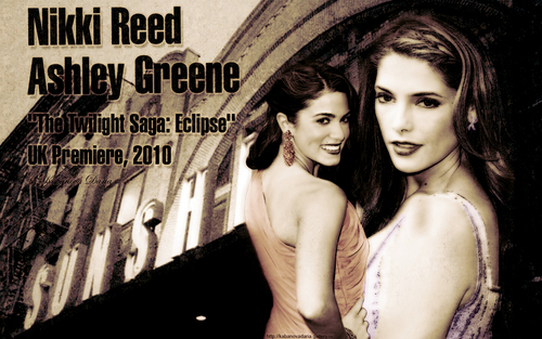 Alice Cullen kertas dinding entitled Nikki Reed&Ashley Greene eclipse UK premiere