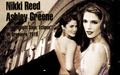 Nikki Reed&Ashley Greene eclipse UK premiere - twilight-crepusculo wallpaper