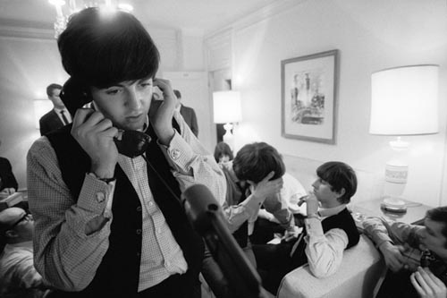 http://images2.fanpop.com/image/photos/14000000/Paulie-on-the-phone-the-beatles-14098437-500-333.jpg