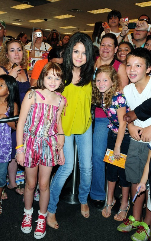 And ramona beezus gomez selena