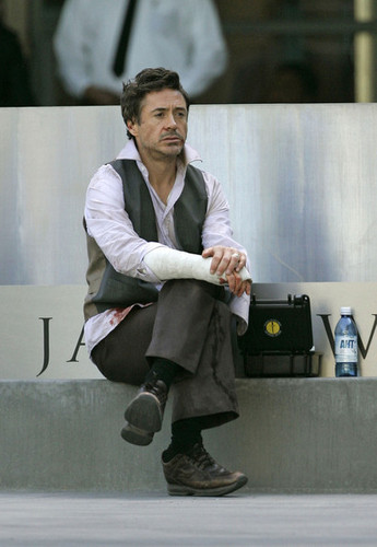 RDJ on Set of Due ngày