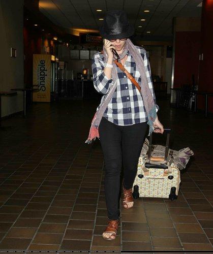 Scarlett Johansson at La Guardia Airport (June 21)