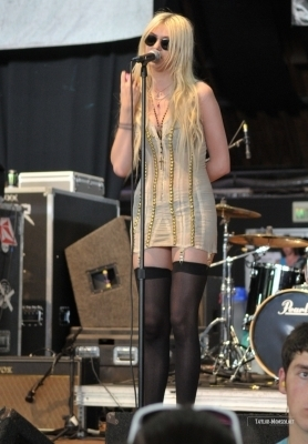 The Pretty Reckless 2010 Vans Warped Tour > July 20: Columbia, MD
