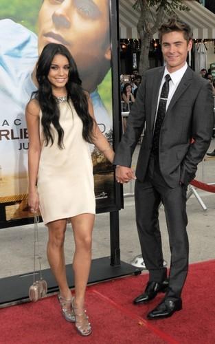 Zac & Vanessa @ Charlie St. wingu LA Premiere