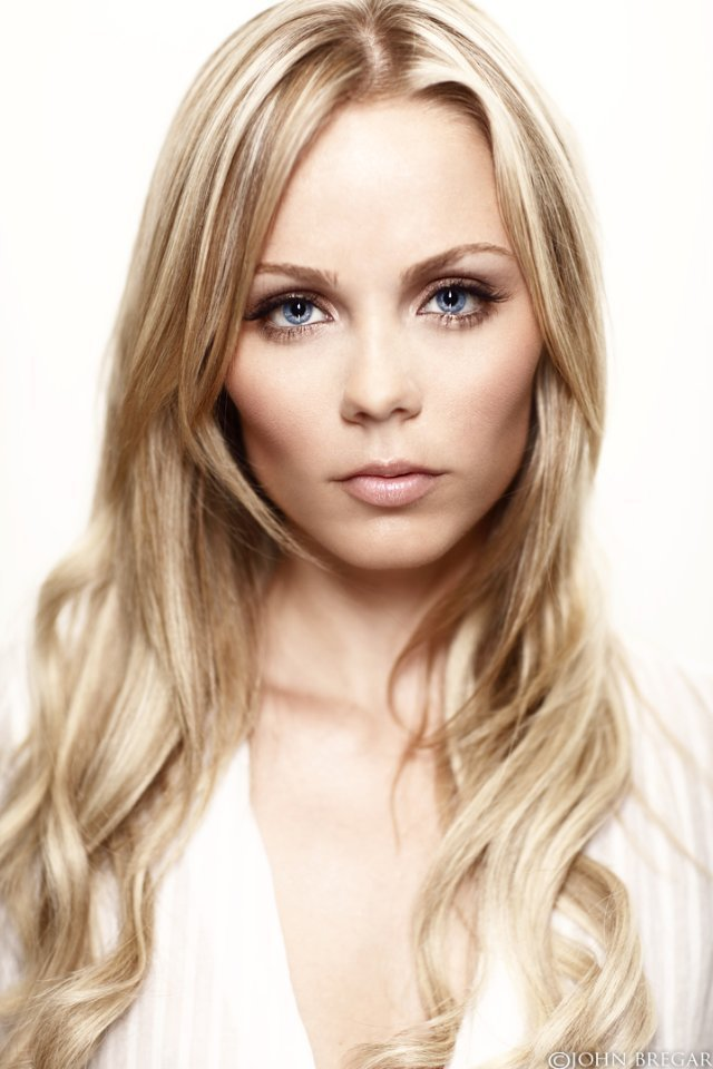 Http Fanpop Com Clubs Laura Vandervoort Images 14013459 Title Laura Photo
