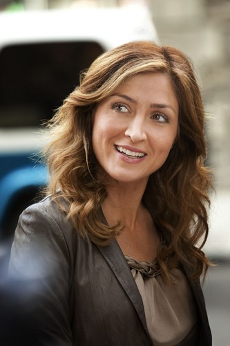 1.04 She Works Hard for the Money - Maura Isles stills