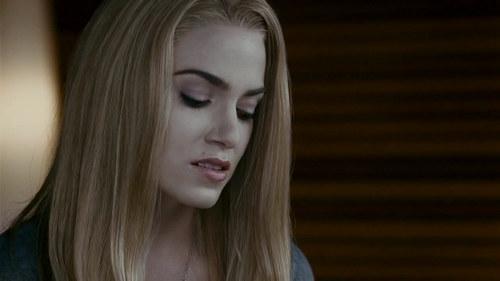 "Capturas Clip ""Rosalie advierte a Bella"""