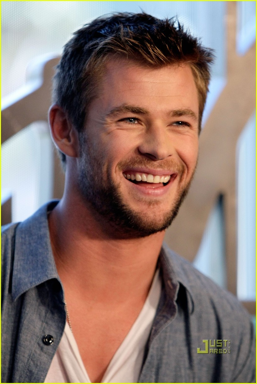 Chris 2010 Comic Con Chris Hemsworth Photo 14163790