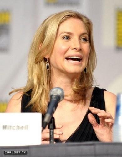 Elizabeth Mitchell (Comic Con 2010 San Diego)