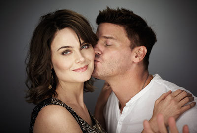 Emily Deschanel & David Boreanaz - bones Photo