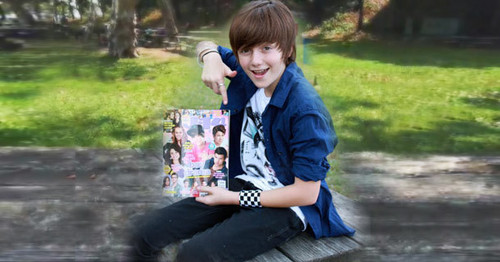 Greyson and the चित्र Shoots