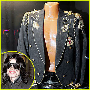 MJ's beatiful koti, jacket in black