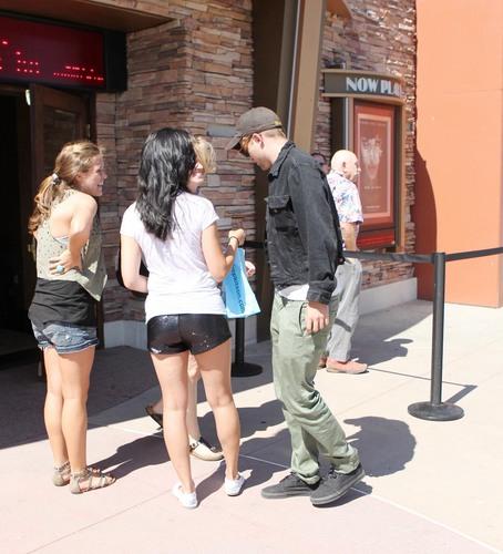আরো Rob @ a 'Salt' screening in Malibu