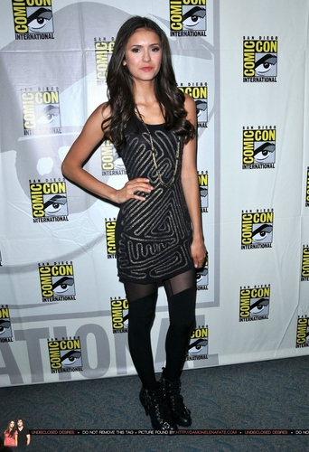 Nina @ Comic-Con (HQ)