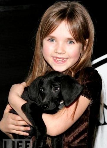 Renesmee(Ruby) and a puppy