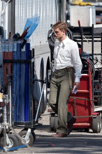 """Rob on """"Water For Elephants"""" Set [July 26th]"""