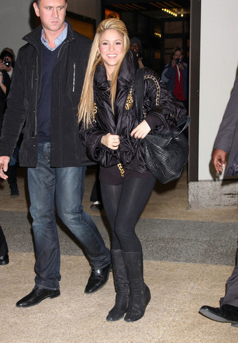 Shakira & Nick cannone Leaving MTV Studios In NYC