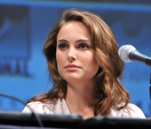 """natalie portman wallpaper called Speaking at Marvel Studios' """"Thor"""" panel discussion during Comic-Con 2010"""