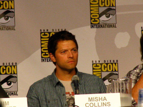 Misha Collins Images Supernatural Cast At The Comic Con Wallpaper And  Background Photos