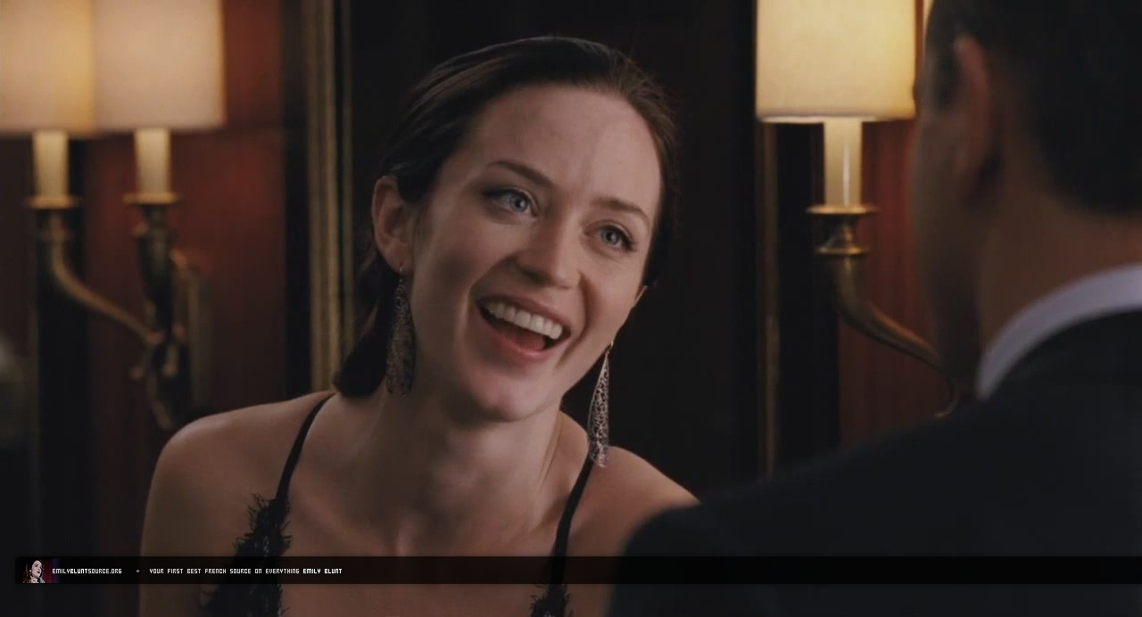 the adjustment bureau 2010 trailer emily blunt image 14179635 fanpop. Black Bedroom Furniture Sets. Home Design Ideas