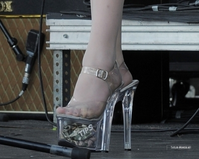 The Pretty Reckless : 2010 Vans Warped Tour > July 24: West Palm, FL