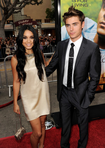 "Zac & Vanessa @ ""Charlie St. Cloud"" Los Angeles Premiere"
