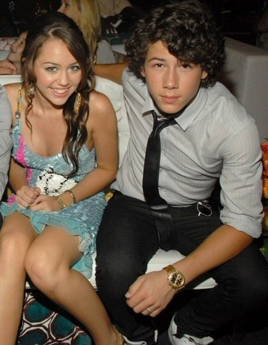 nick and miley.....