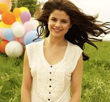 Selena Gomez wallpaper titled selena cutie........