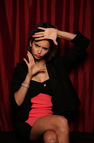 http://images2.fanpop.com/image/photos/14200000/2010-TV-Guide-Photo-Booth-Comic-Con-the-vampire-diaries-14297121-327-493.jpg