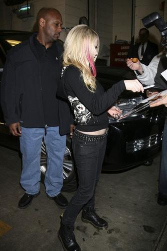 Avril Lavigne Leaves ABC Morning onyesha