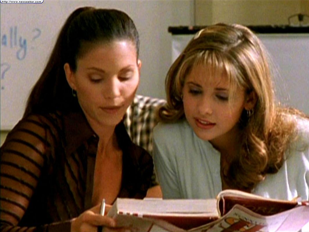 """Buffy the vampire slayer,season 1,episode 1,'Wellcome to the hellmouth"""" - television"""