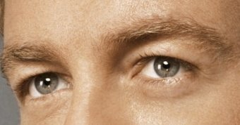 Eyes, Simon Baker