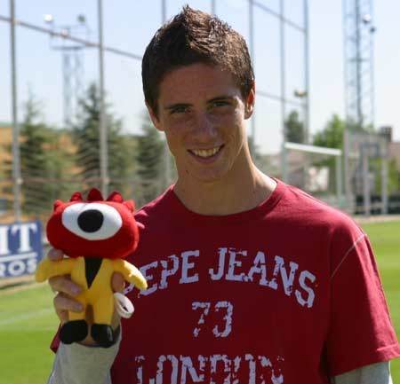 Fernando Torres 바탕화면 titled Fernando Torres - Party in Madrid