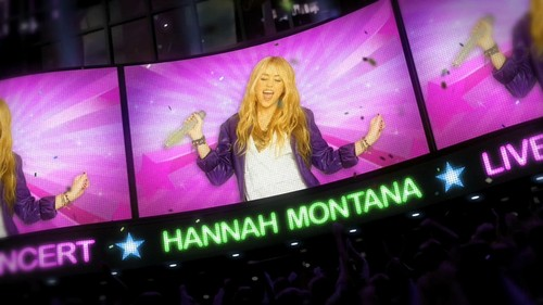 Hannah Montana Forever Opening picture in High Quality
