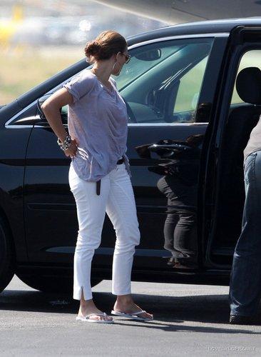 Jennifer Back in LA