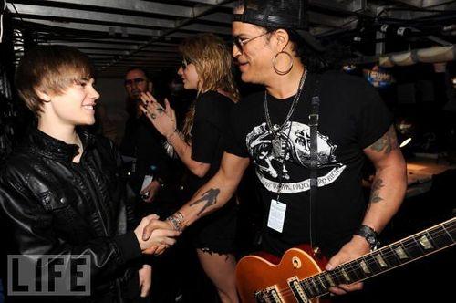 Justin meets Slash!!