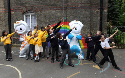 लंडन 2012 Olympic & Paralympic Mascot Announcement (May 19)