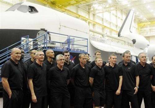 Manchester United Visits NASA