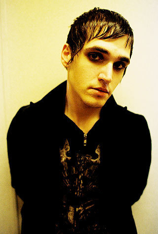Mikey Way - Vampire Chic または Creature of the Night?
