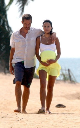 "Paul & Jordana on ""Fast and the Furious 5""set"