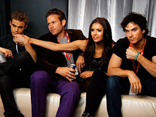 Paul Wesley and Nina Dobrev پیپر وال entitled Paul,Nina and co.