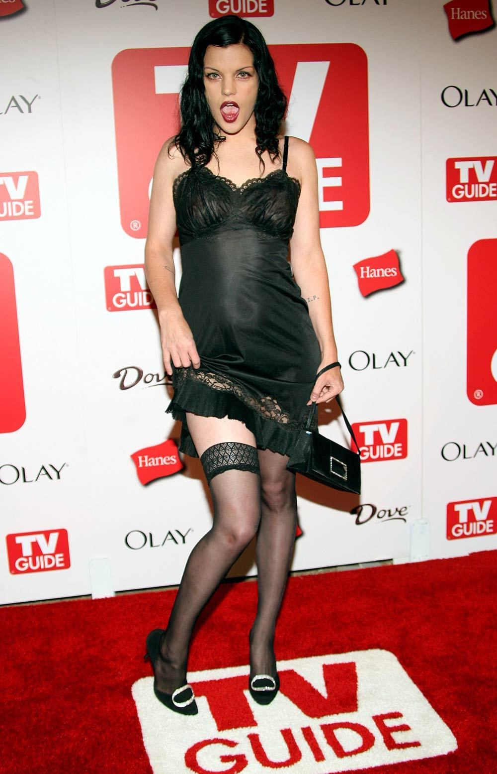 http://images2.fanpop.com/image/photos/14200000/Pauley-Perrette-pauley-perrette-and-sean-murray-14257017-1000-1555.jpg
