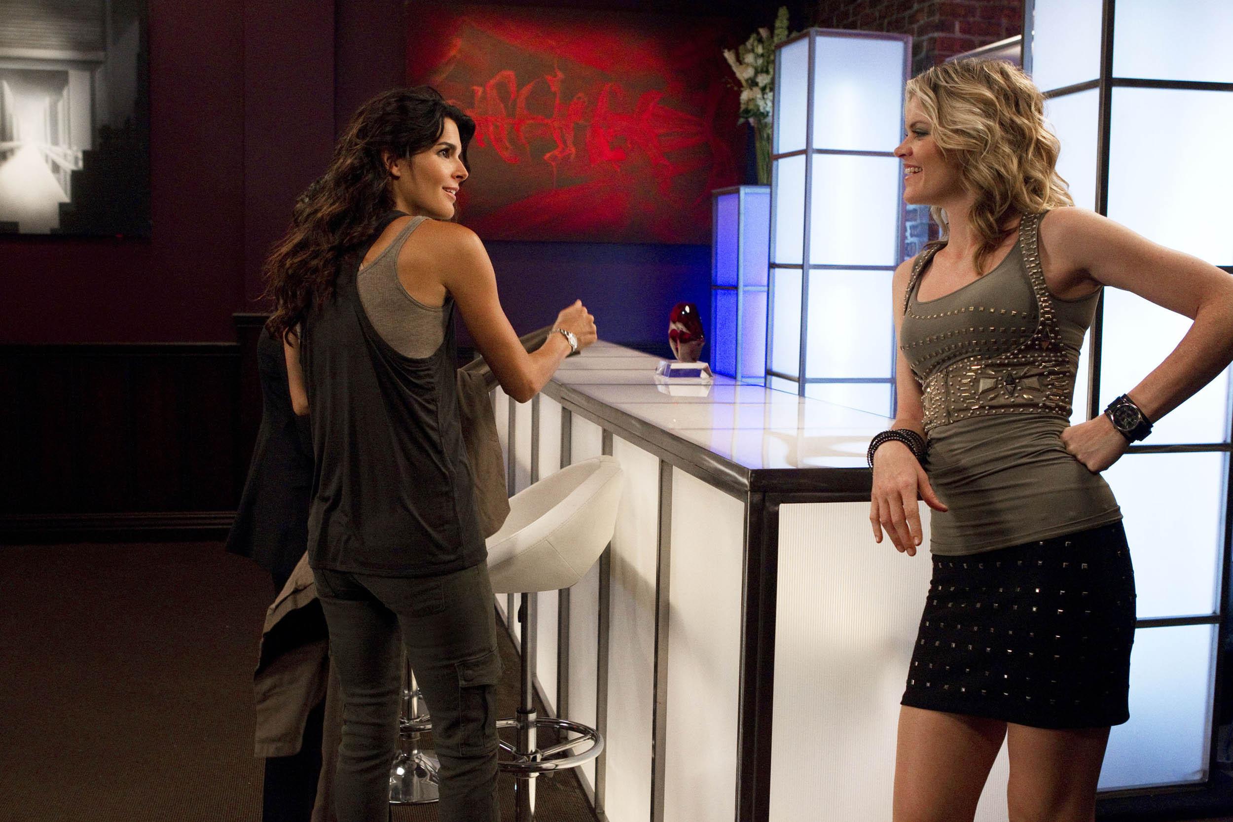 Rizzoli&Isles 1x06 - I Kissed A Girl stills