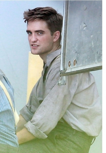"Rob on ""Water For Elephants"" Set [July 7th]"