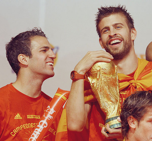 cesc y pique-BEST FRIENDS  - cesc-fabregas Photo