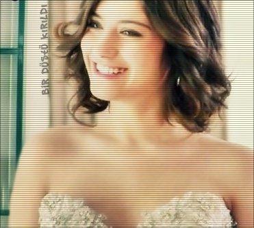 http://images2.fanpop.com/image/photos/14200000/hazal-kaya-hazal-kaya-14292680-371-333.jpg