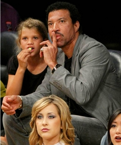 lionel and daughters