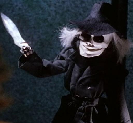 Blade-puppet-master-vs-demonic-toys-14362284-514-475.jpg