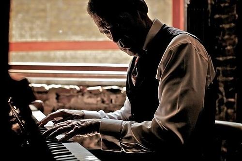 Hugh album фото