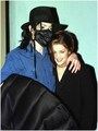 Ivy Restaurant with Lisa Marie - michael-jackson photo